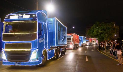 Curitibanos promovem Caravana de Natal da Cini