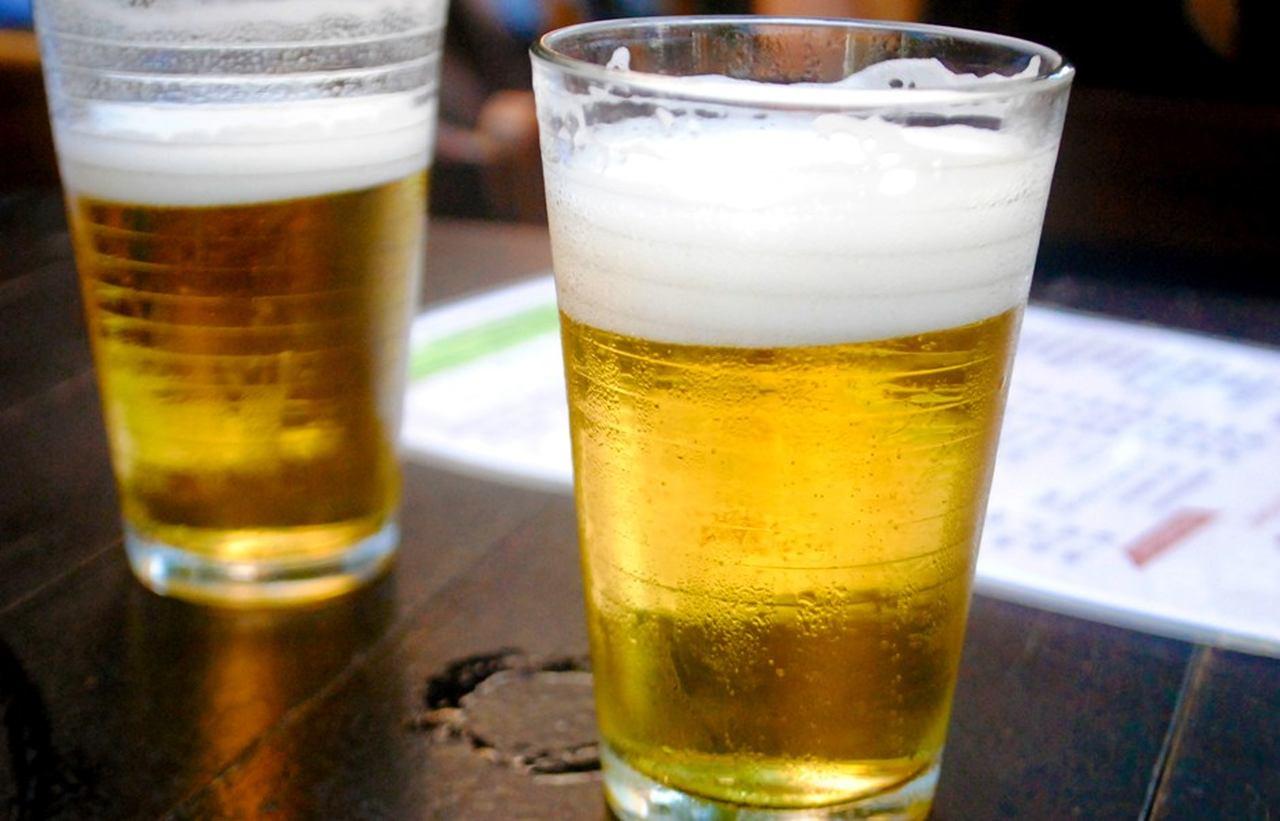 """""""Cerveja diminui a possibilidade de pegar coronavírus"""", Afirma bêbado"""