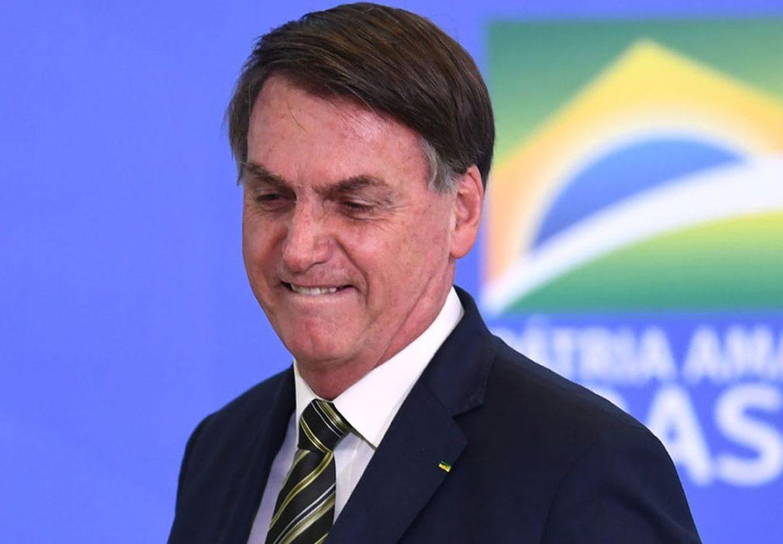 Bolsonaro sanciona lei que proíbe Webnamoro em território nacional