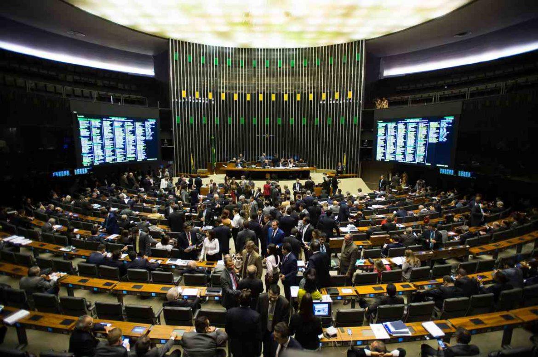 Proibido em mais de 130 países, 'gemidão do zap' pode ser legalizado no Brasil