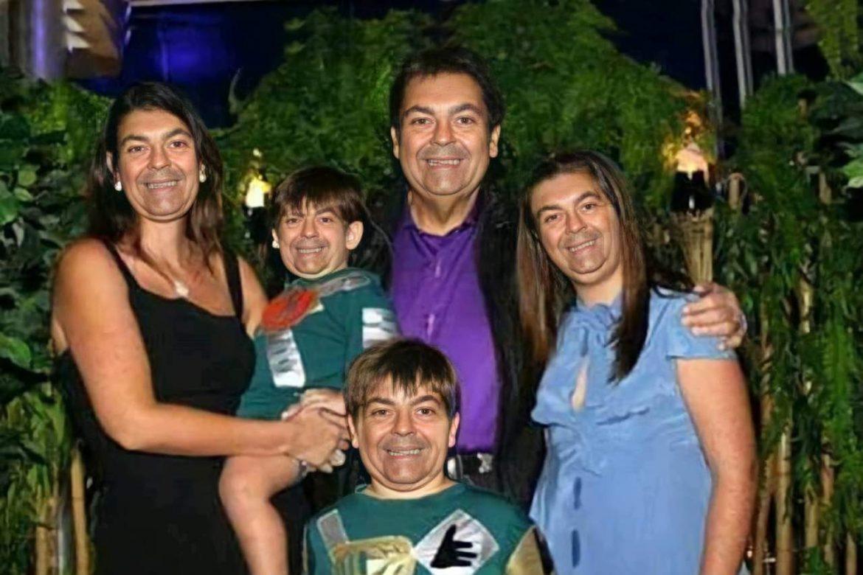 Apresentador Faustão posta foto com a família e semelhança chama a atenção